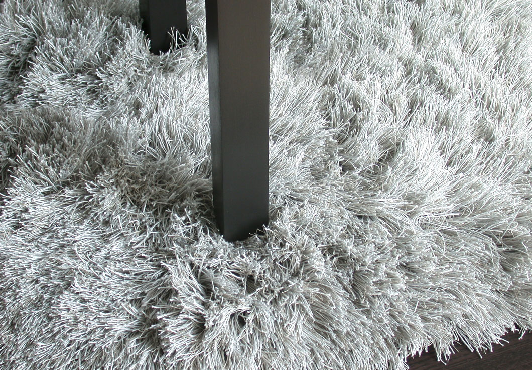 Luxurious Shag Rug in Pale Gray Made of 100% Linen Yarn | Jade | Urba Rugs