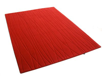 Adele Rug : A hand tufted and sculpted red carpet made by Urba.ca