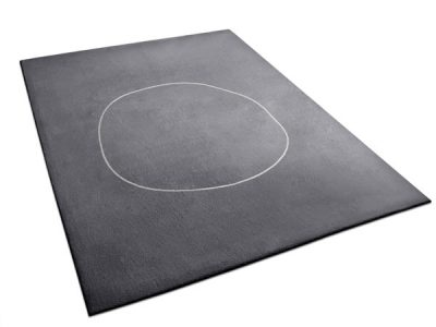 Dark gray rug with minimalist circle design | Urba Rugs