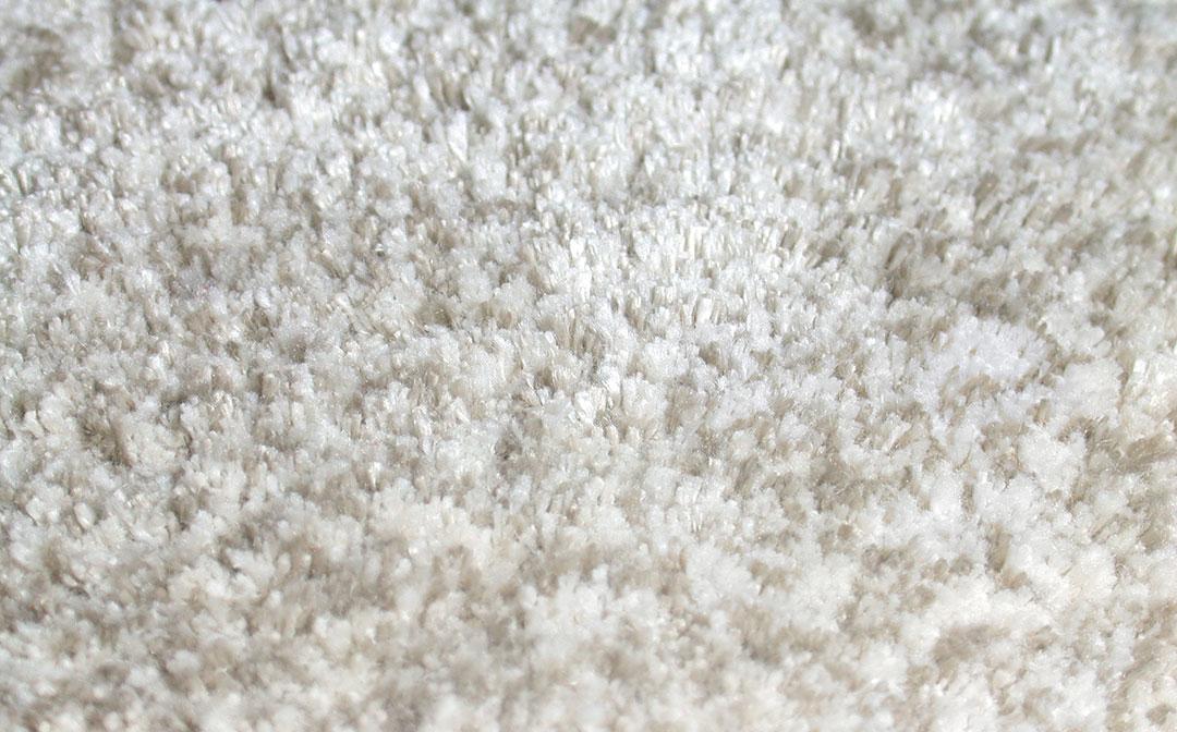 Bedroom Rug with a Shiny and Silky Look | Custom Rug | Urba Rugs