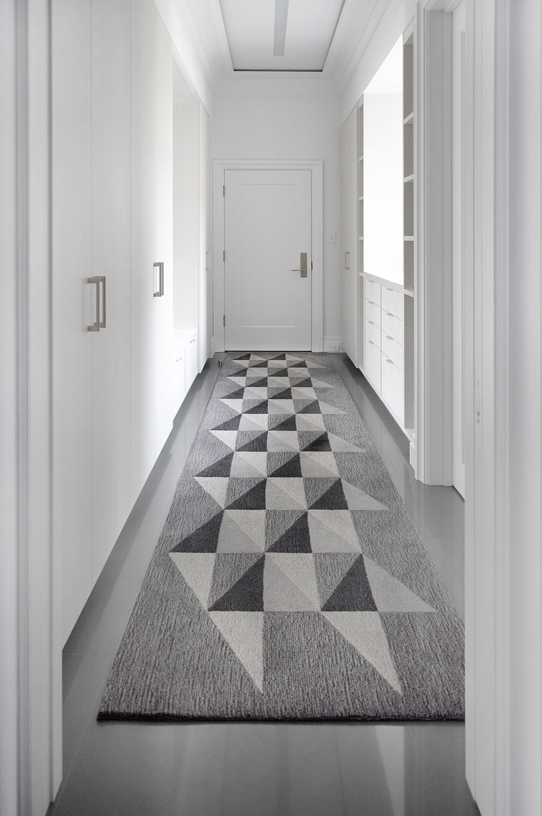 Geometric Diamond Rugs for Entrance Hall | Gray Runner Rug | Urba Rugs