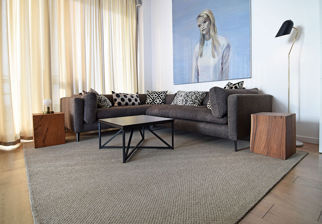 Natural Fiber Hand-Woven Rug in a Modern Penthouse | Urba Rugs
