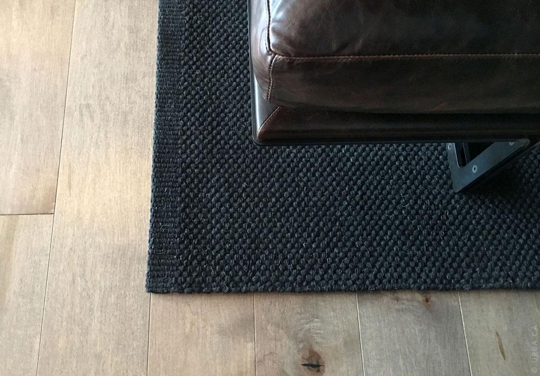 Black Hand-Woven Rug in a Contemporary Decor | Lea Rug | Urba Rugs